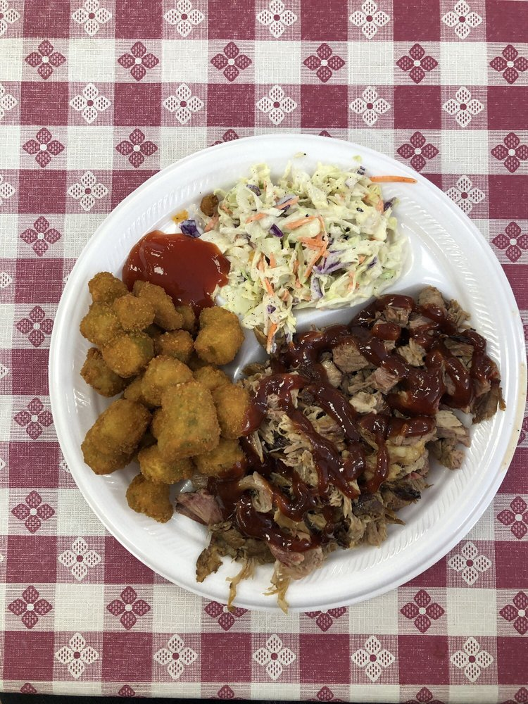Pops Backyard BBQ: 203 South 25 Mile Ave, Hereford, TX