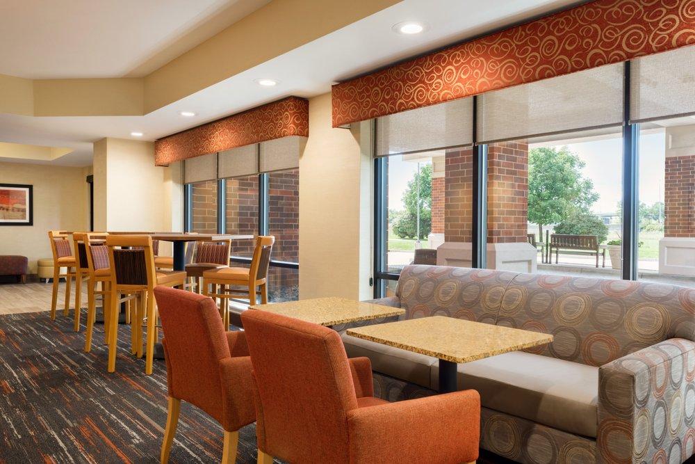 Hampton Inn West Des Moines Lake Drive: 7060 Lake Dr, West Des Moines, IA