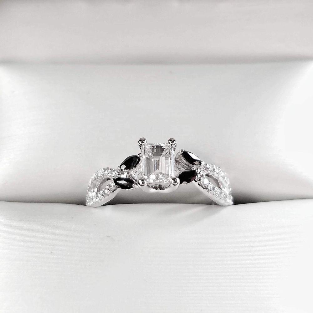 Christopher & Myranda Fine Diamonds