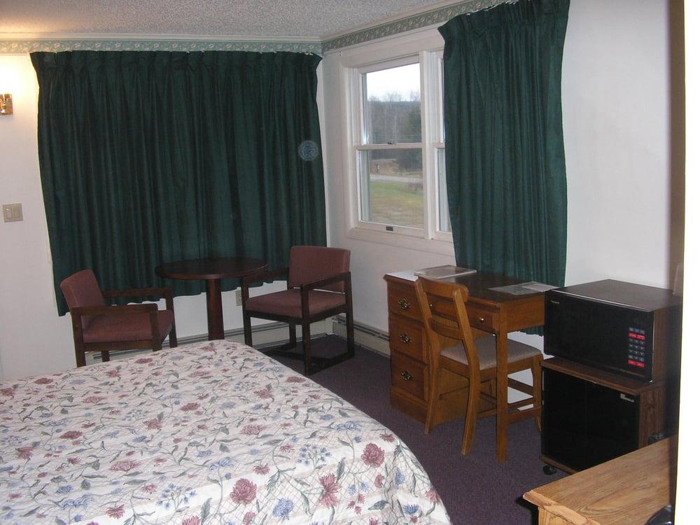 Aroostook Hospitality Inn: 23 Langille Rd, Washburn, ME