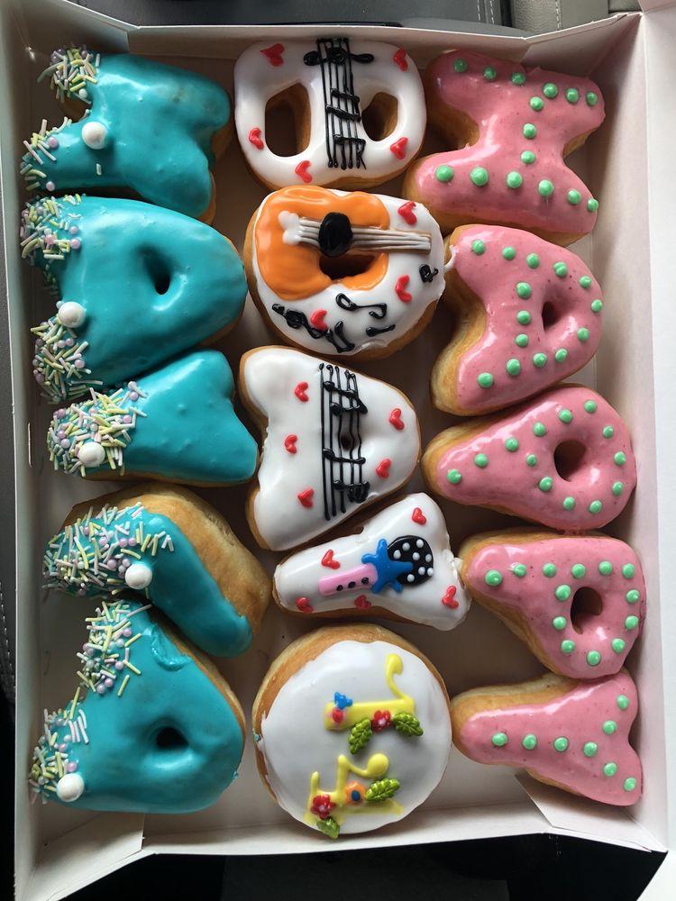 Donut Hub: 12129 Ranch Rd 620 N, Austin, TX