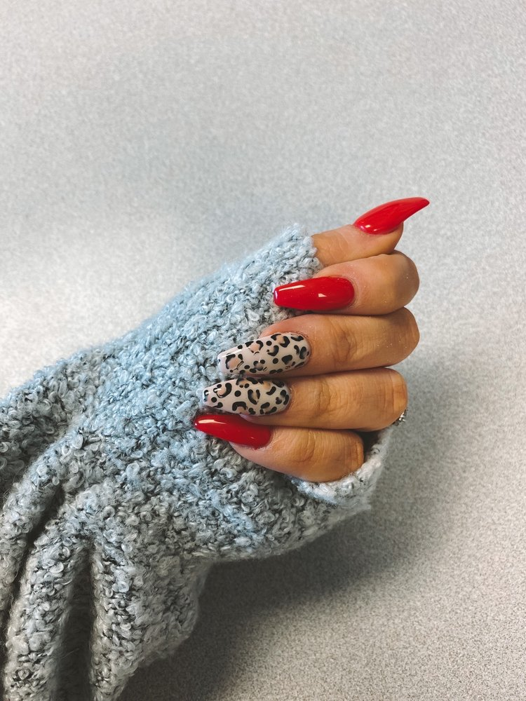 Queen Nails: 317 Fort Riley Blvd, Manhattan, KS