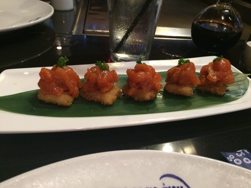 Spicy salmon over rice small plate yelp for Blue fish dallas