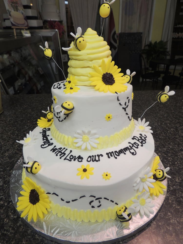 Our wedding cake and cupcakes from Just Desserts were a delicious ...