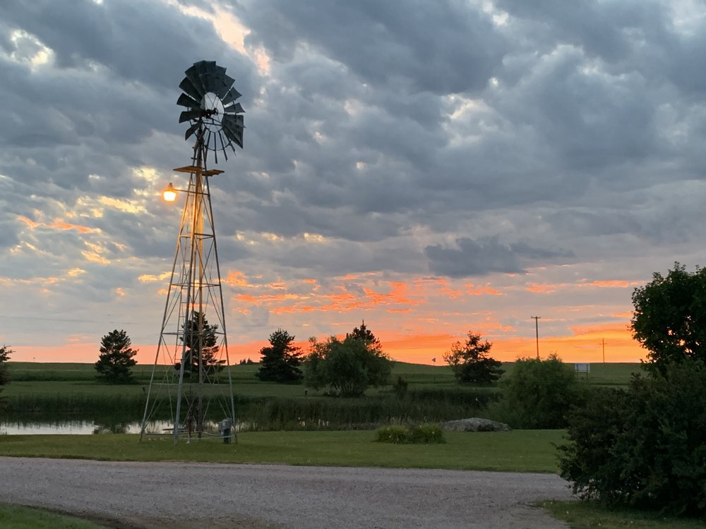 Fishberry Campgrounds: 90440 US Hwy 83, Valentine, NE