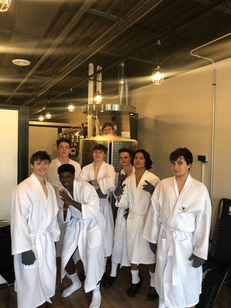 GoPolar Cryotherapy & Float Spa: 230 N Cass Ave, Westmont, IL