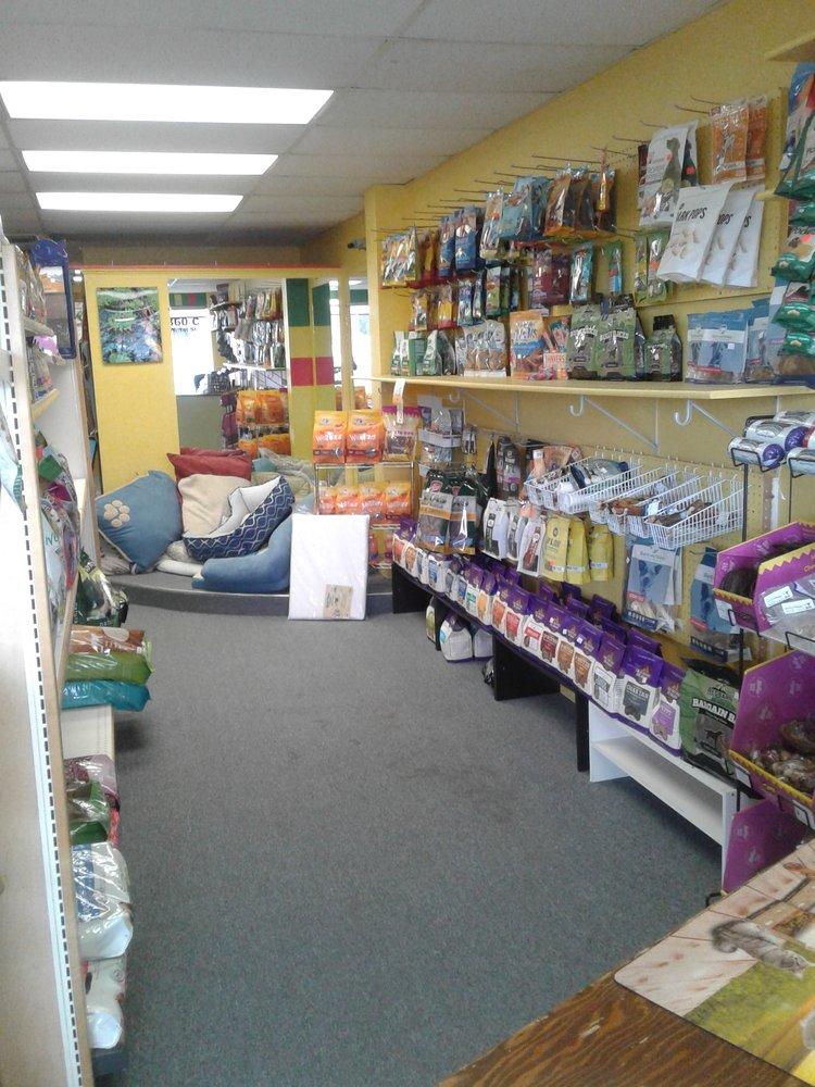 Good Life Pet Food & Supplies: 360 W 1st St, Cortez, CO