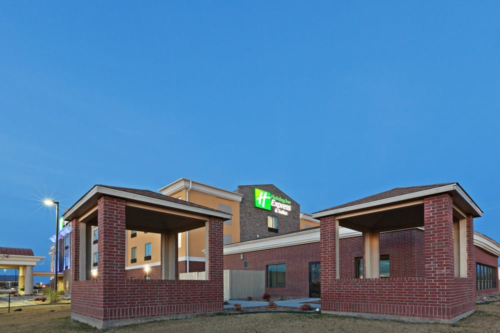 Holiday Inn Express & Suites Brownfield: 410 Lubbock Rd, Brownfield, TX