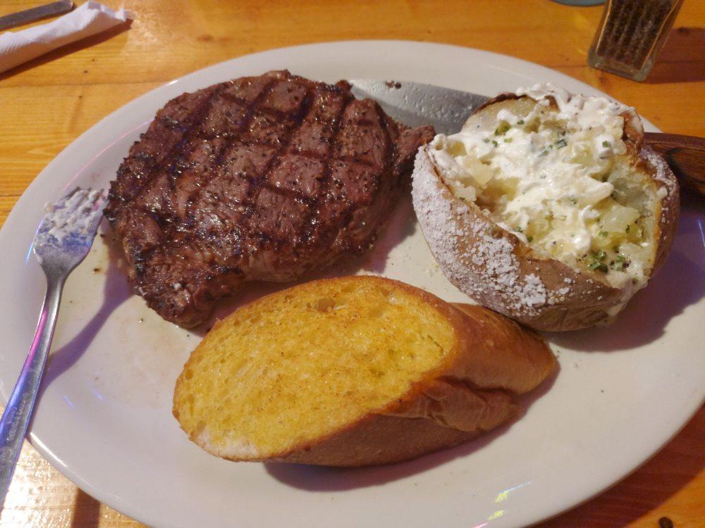 Southern Country Steakhouse & Saloon: 34 Chestlehurst Rd, Senoia, GA