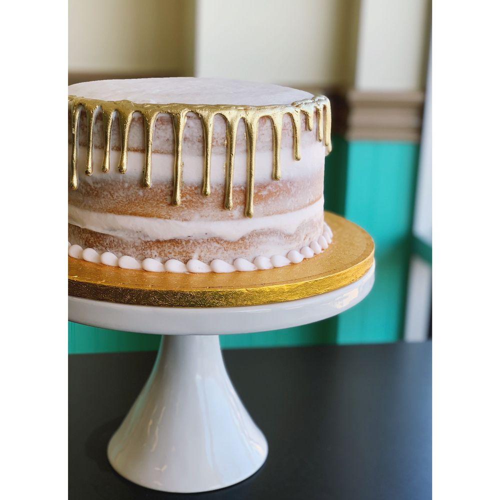 Sweet Magnolias Bakery Cafe: 1600 Hwy 15N, Laurel, MS