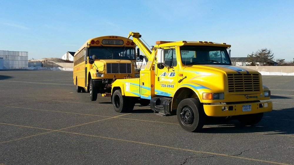 Towing business in Lawrence, NY