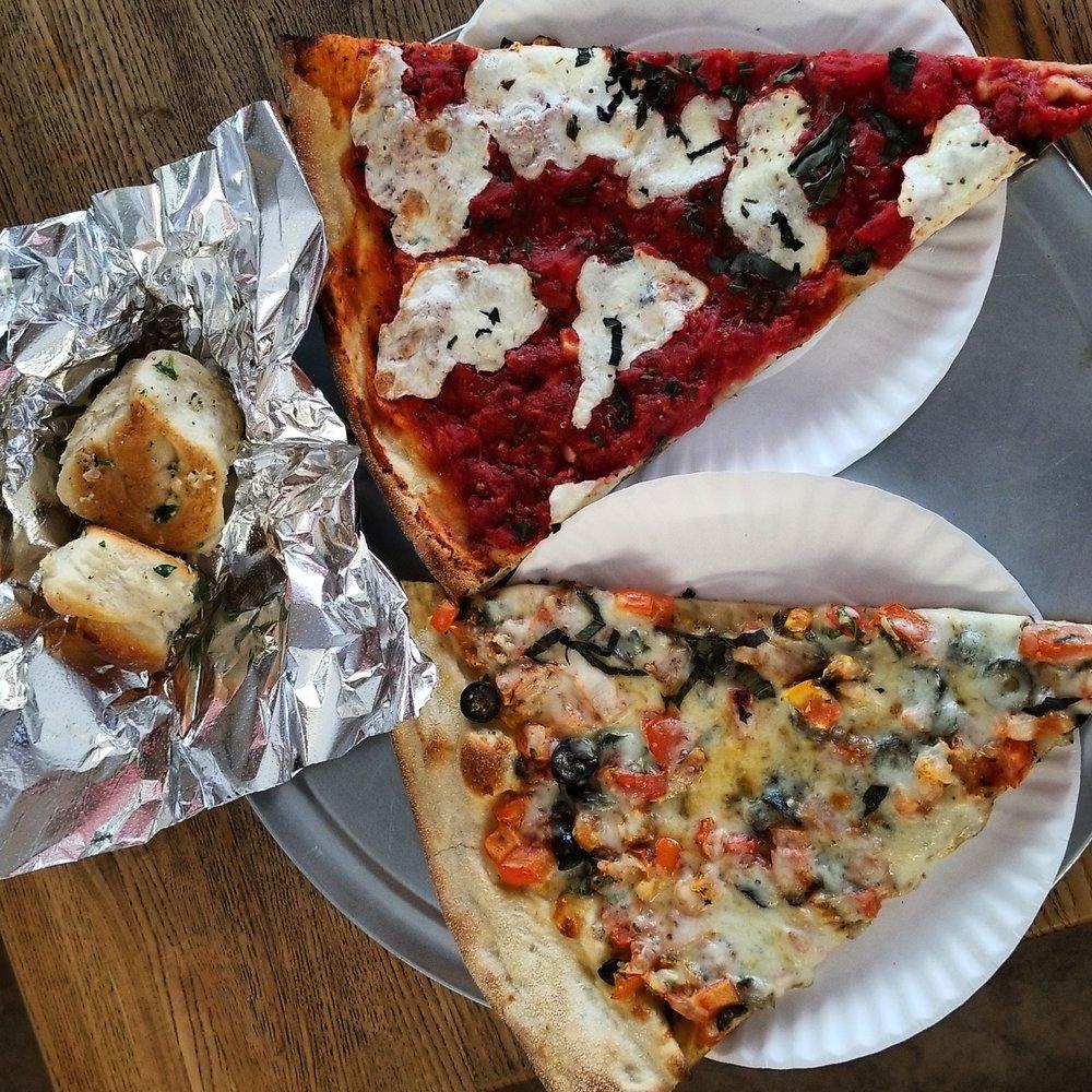 Full Moon Pizzeria: 600 E 187th St, Bronx, NY