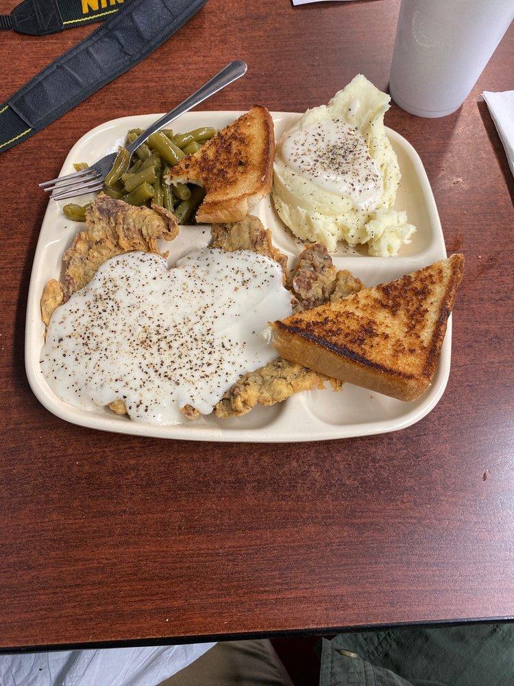 Murn's Cafe: 107 N Center St, Archer City, TX