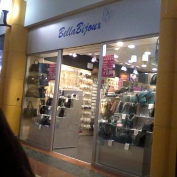 b118dfec6bf6f Bella bijoux - Borse Valigie - Via Pietro Nenni 56