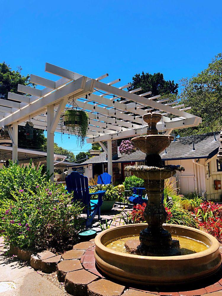 Lamp Lighter Inn & Sunset House Suites: Ocean Ave & Camino Real, Carmel, CA