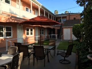 Bentley Suites By Serenity Care Health   851 4th St, Santa Monica, CA, 90403   +1 (844) 478-2234