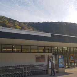 HOFER - Grocery - Leobersdorfer Str  18, Berndorf
