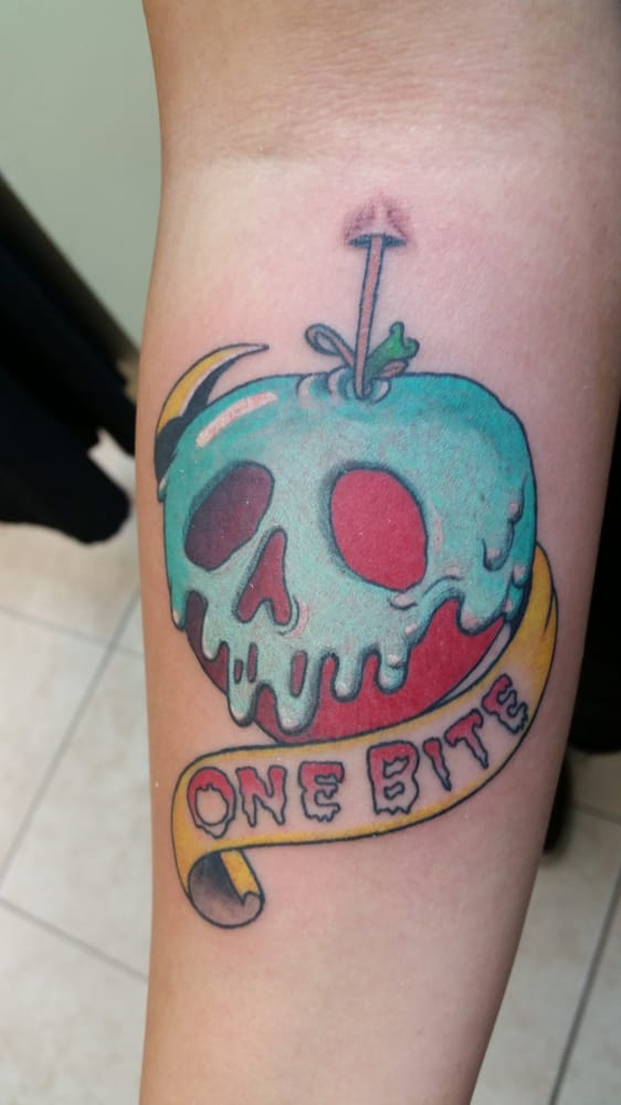 Rotten Tattoo: JUST ONE BITE IS ALL U NEED! BAD APPLE! TATTOOS BY NACHOO
