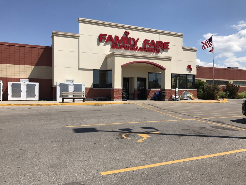 Family Fare: 211 S Division St, Bellaire, MI