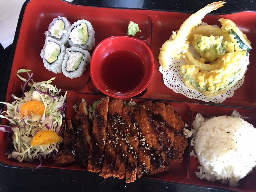 Food from Fat Belly Grill