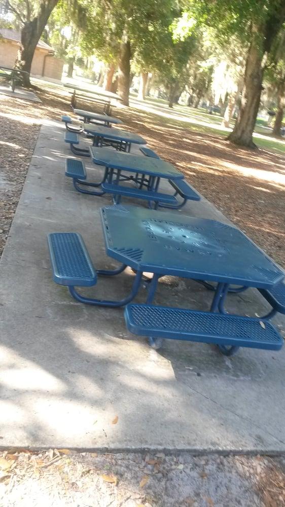 Warren Park: 3406 Warren Park Rd, Belle Isle, FL
