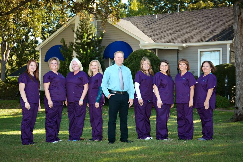 Courtright Orthodontics: 2230 S Austin Ave, Denison, TX
