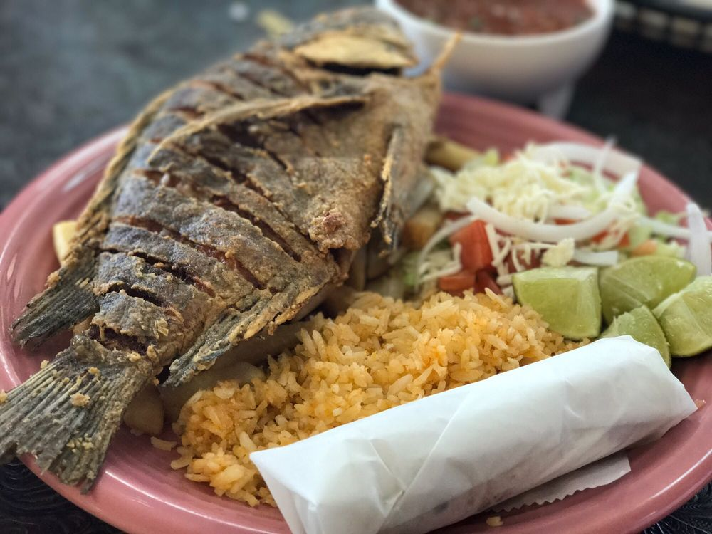 Los Ruvalcaba Mexican Restaurant: 4300 N State Line Ave, Texarkana, AR