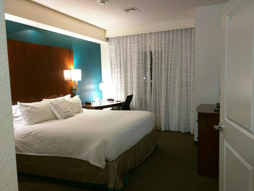 Residence Inn by Marriott Kansas City Airport