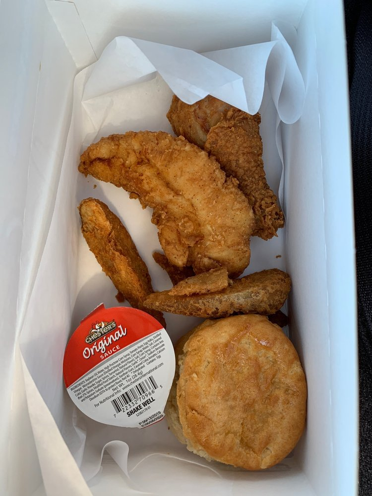 Chester's Chicken: 2615 Sweetwater Springs Blvd, Spring Valley, CA