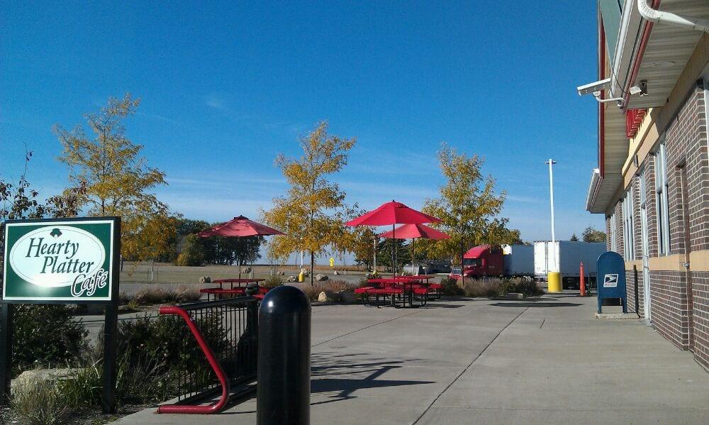 Hearty Platter Cafe: 42165 County Rd 12, Dakota, MN