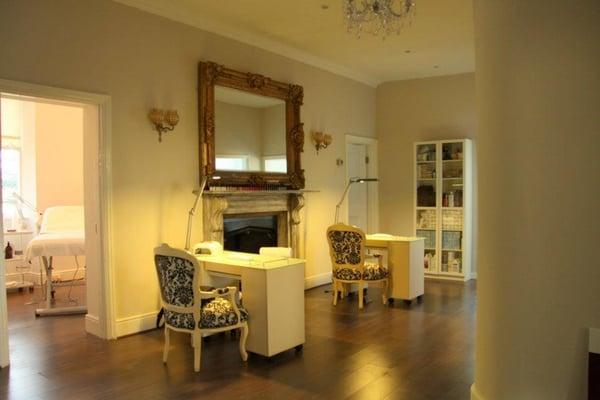 Ely Beauty Clinic Kosmetikstudio Hautpflege 1 Nutgrove