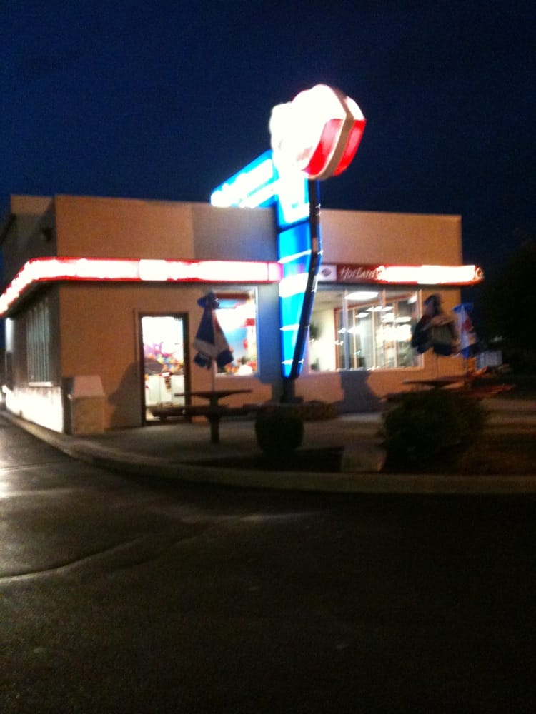Dairy Queen Grill & Chill: 3820 W Bethel Ave, Muncie, IN