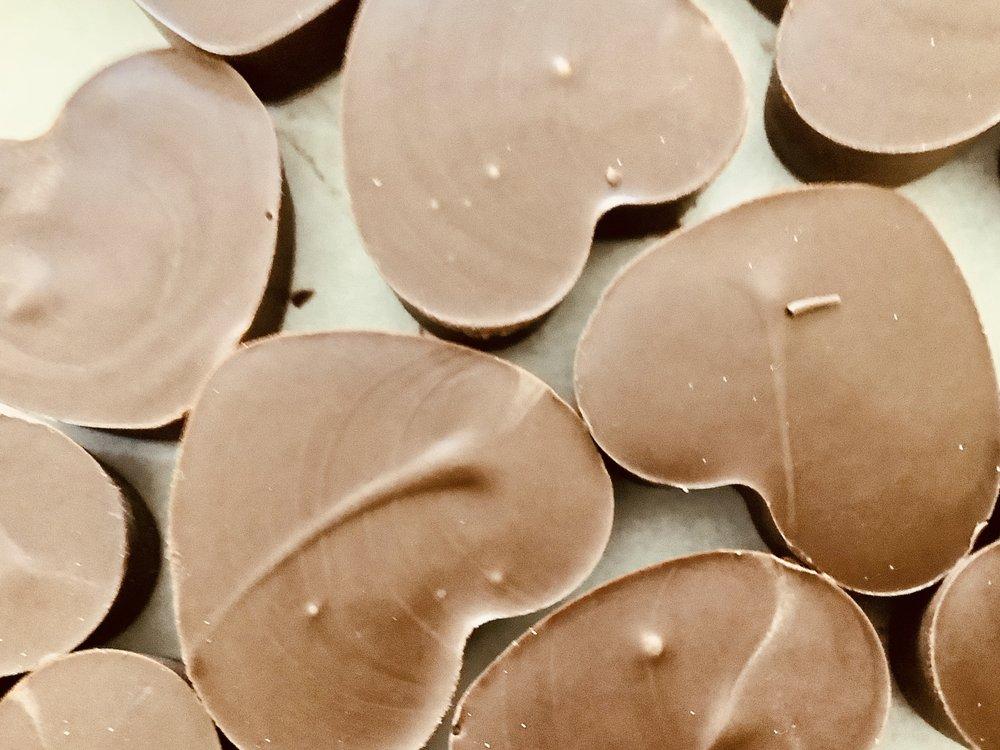 Snowy's Chocolates: 105 North 2nd Ave, Elizabeth, PA