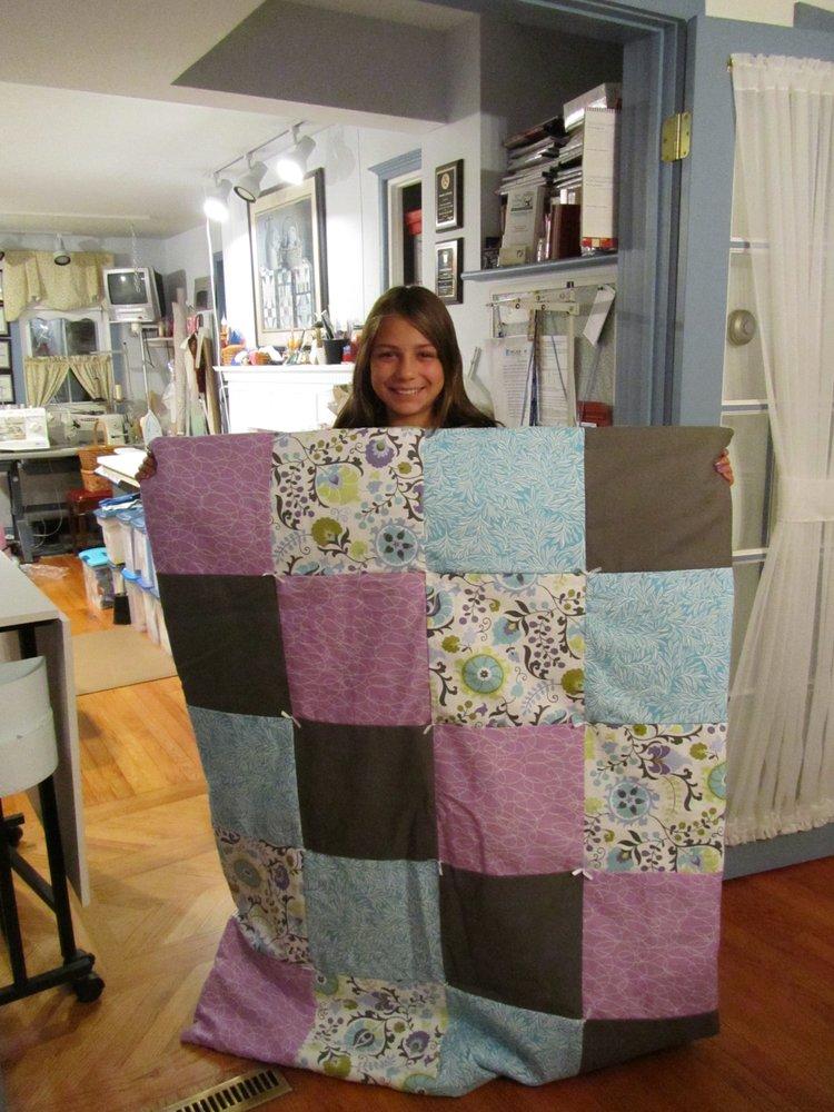 Lori's Stitching Studio: 399 Daretown Rd, Elmer, NJ