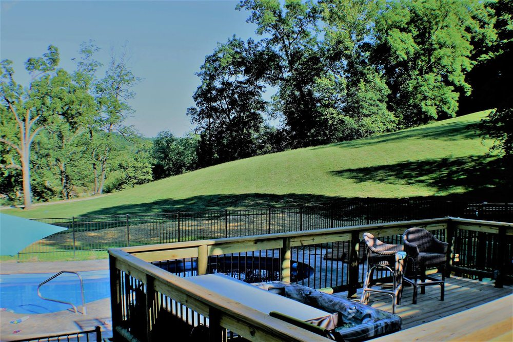 Wilderness Lodge Resort: 2331 County Rd 342, Lesterville, MO