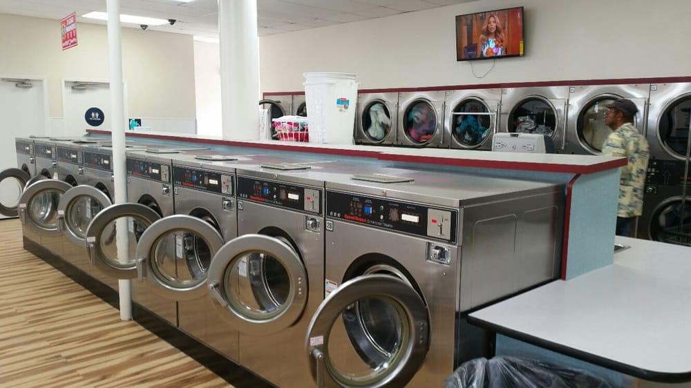 Lemon Grove Coin Laundry: 7973 Broadway, Lemon Grove, CA