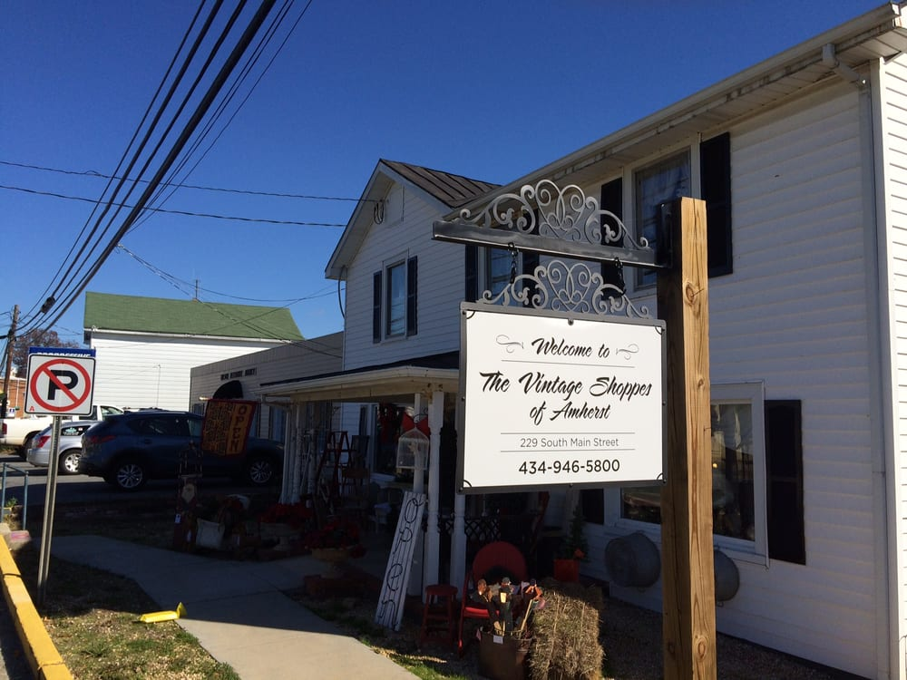 Vintage On Main: 229 Main St, Amherst, VA