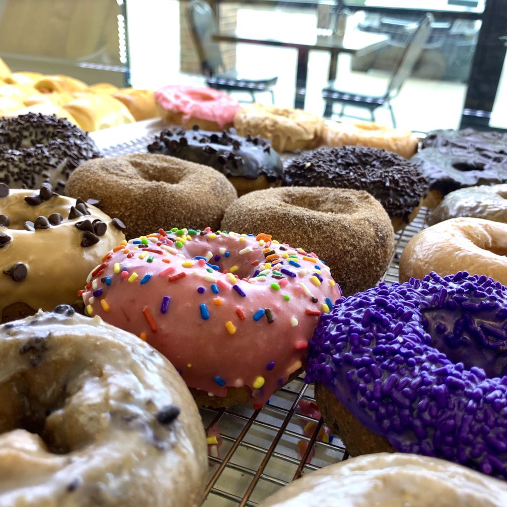 Munchies Donuts & Brunch: 2836 W University Blvd, Durant, OK