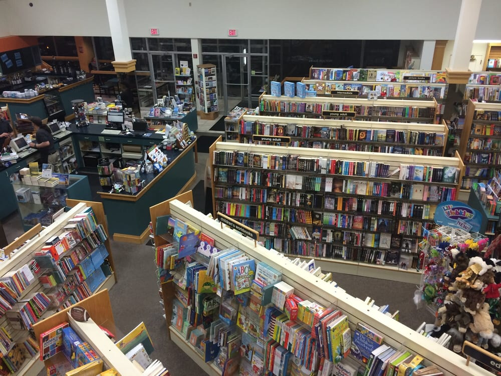 Horizon Books: 243 E Front St, Traverse City, MI