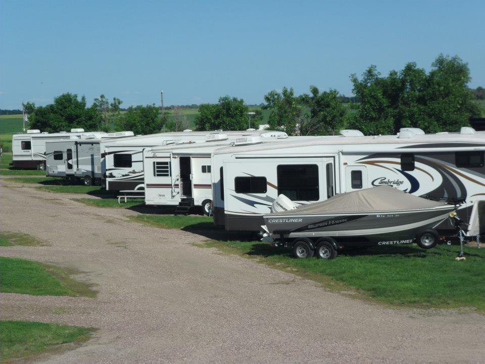 Hills RV Park & Campground: 608 S Main St, Plankinton, SD