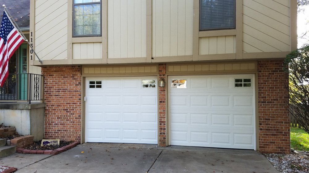 Royal overhead doors 12 garage door garage door repair for Garage door repair tacoma