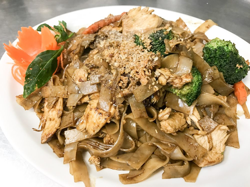 Sawasdee Thai Cuisine: 5601 E Virginia Beach Blvd, Norfolk, VA