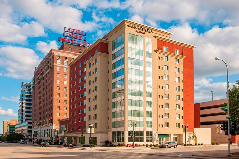 Courtyard by Marriott Peoria Downtown: 533 Main St, Peoria, IL