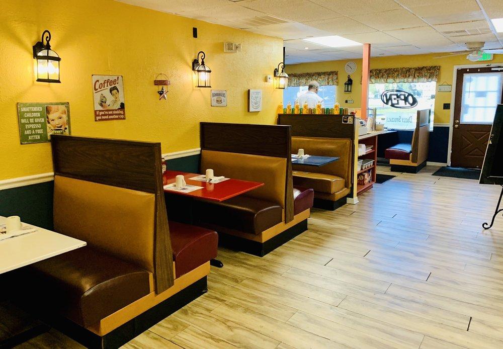 Paradis Des iLes Restaurant: 3426 Deltona Blvrd, Spring Hill, FL