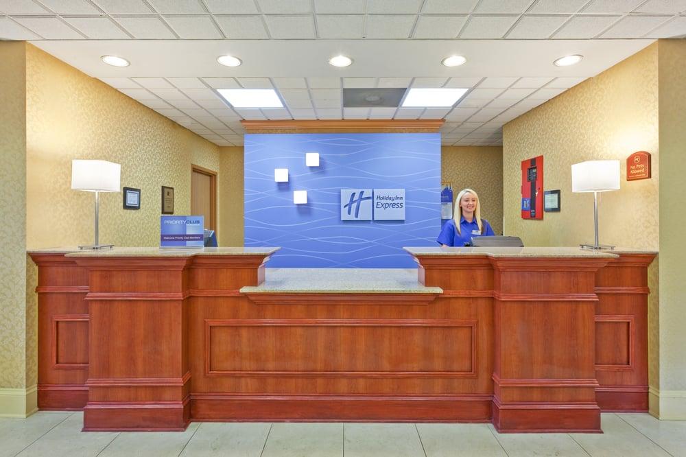 Holiday Inn Express & Suites Vicksburg: 4330 S Frontage Rd, Vicksburg, MS