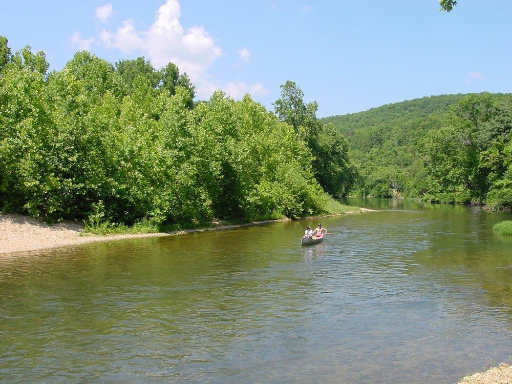 Carr's Canoe Rental: Hcr 1 Box 137, Eminence, MO
