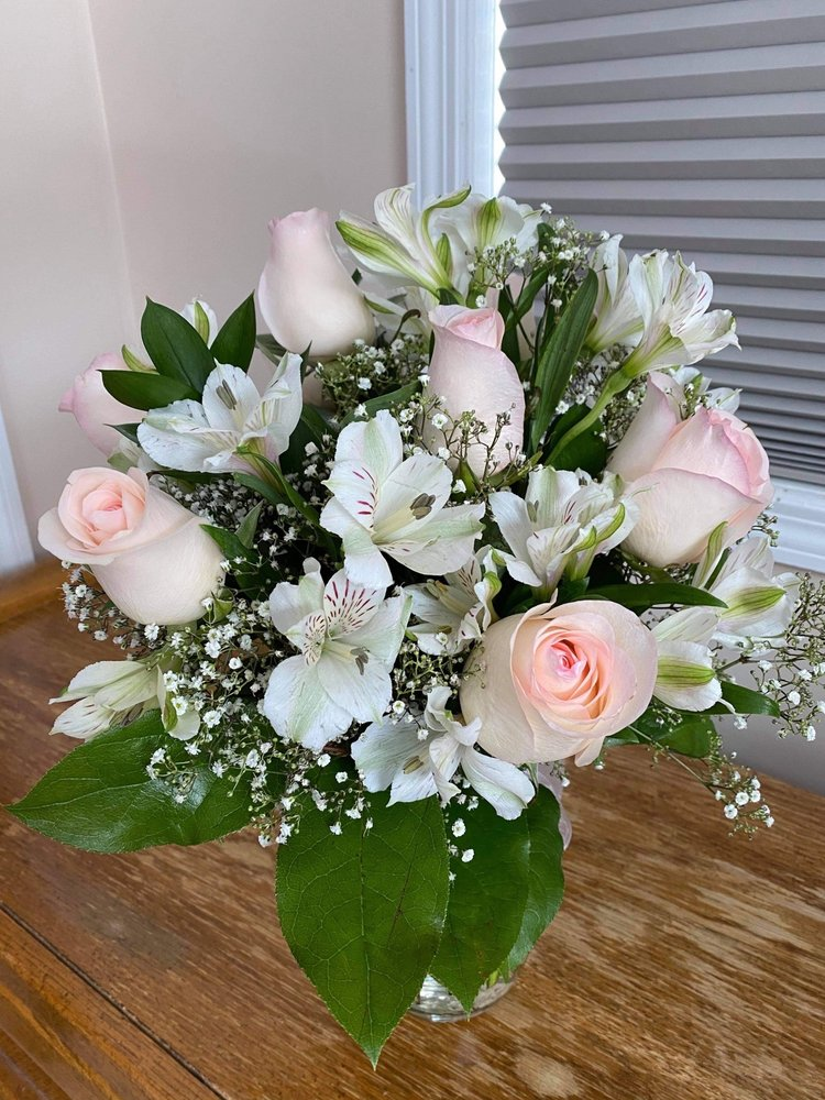 Plattsburgh Flower Market: 12 Cornelia St, Plattsburgh, NY