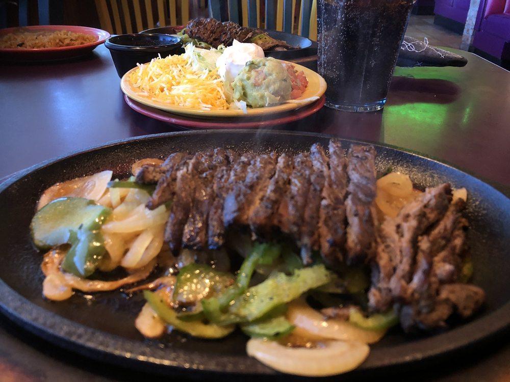 Del Rio Grill & Cantina: 1802 W 32nd St, Joplin, MO
