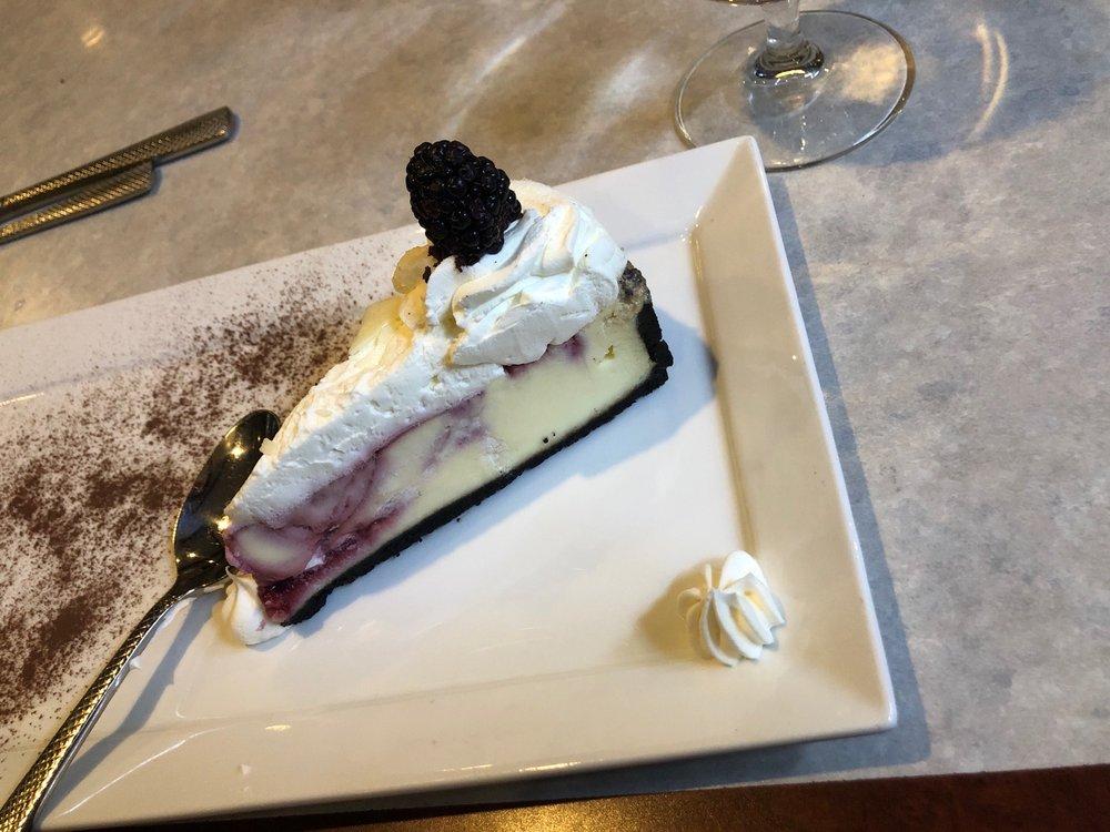 Chops Fine Cuisine: 506 Hill St, Green Lake, WI