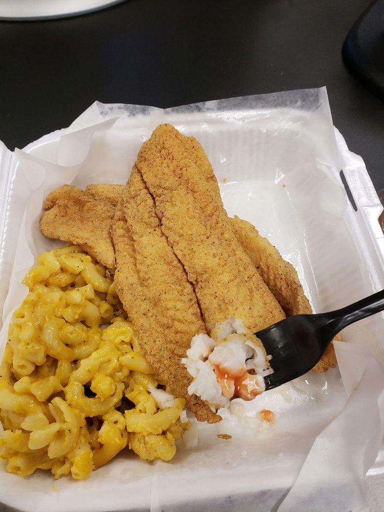 Whittys Chicken Fish Food Trucks Waddell Az Restaurant